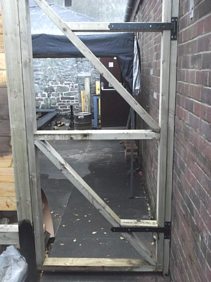 Frame for emergancy exit door 290917