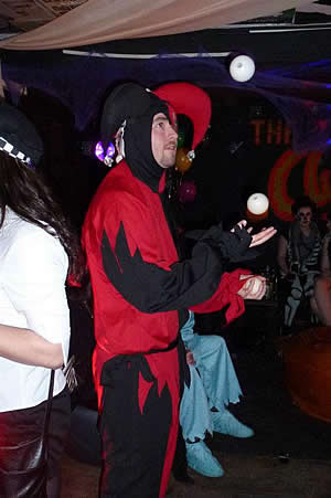 Damien our jester doin some amazing jugglin